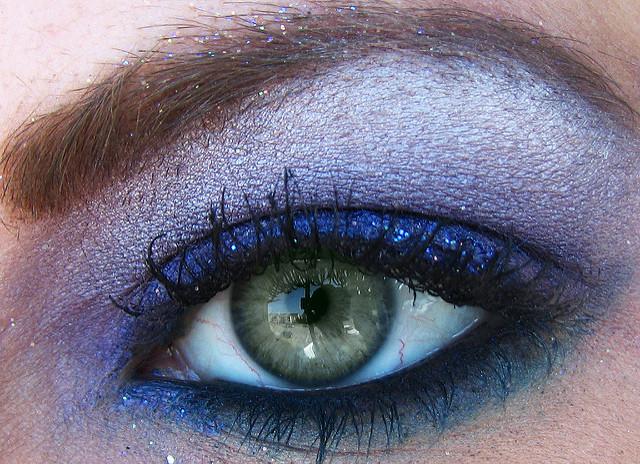 trend blue eyes