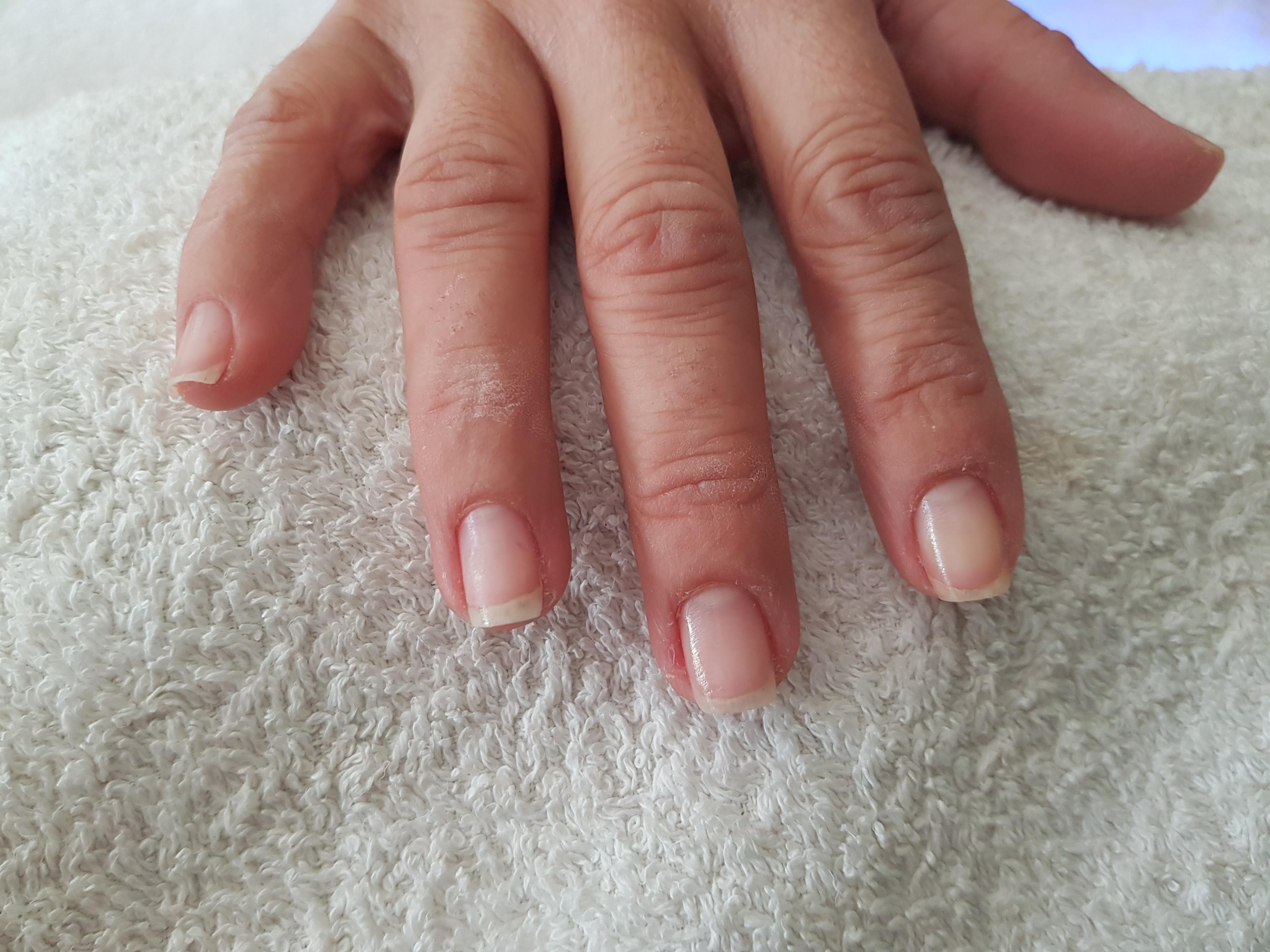 manicure estrosa semipermanente