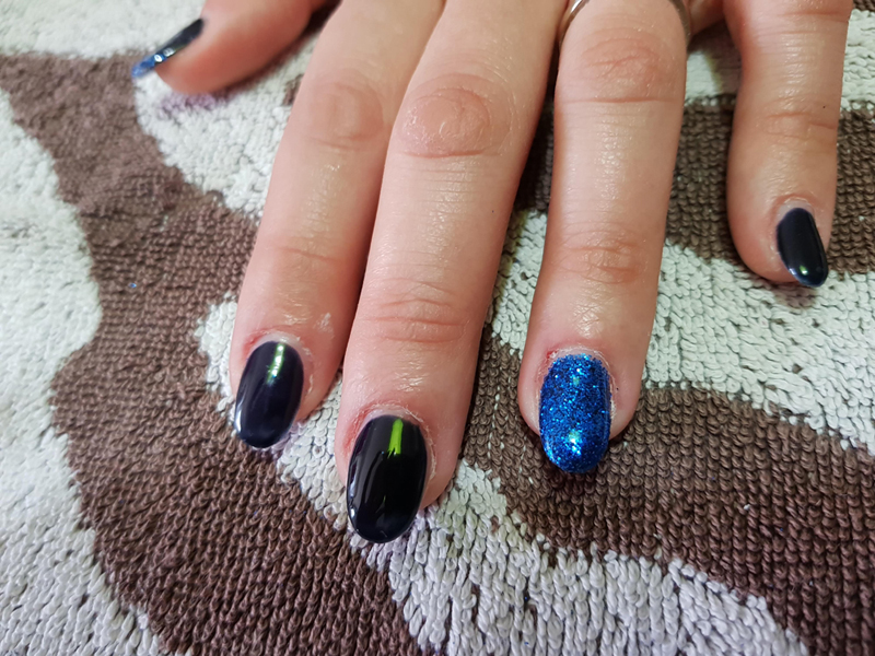 nail art tutorial blu notte e glitter