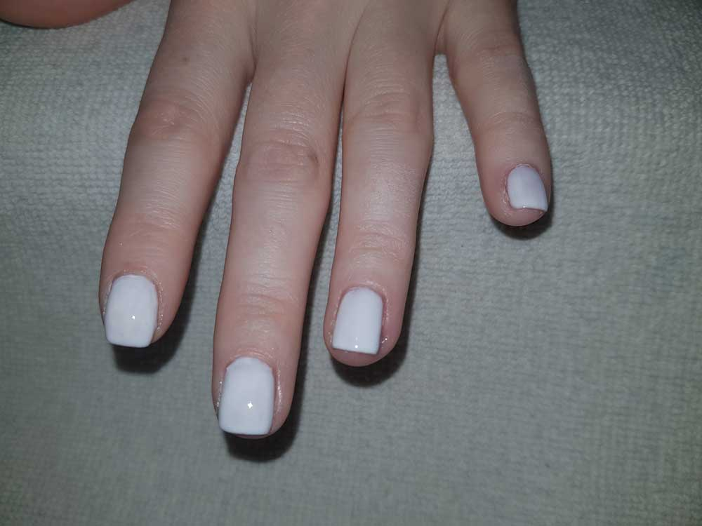 tutorial-nail-art-bianco glaciale