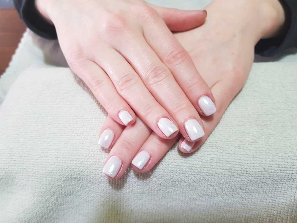 tutorial-nail-art-bianco- natale