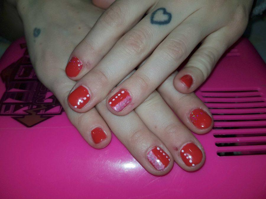 tutorial-nail-art-rossa-perfetta-per-natale