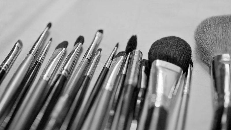 Come pulire i pennelli per il trucco: i metodi più ...