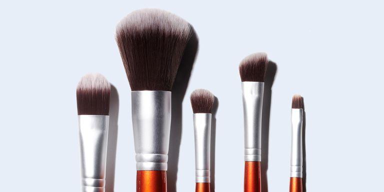 come pulire i pennelli make up