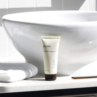 gel detergente Ahava Time to Clear Refreshing Cleansing Gel